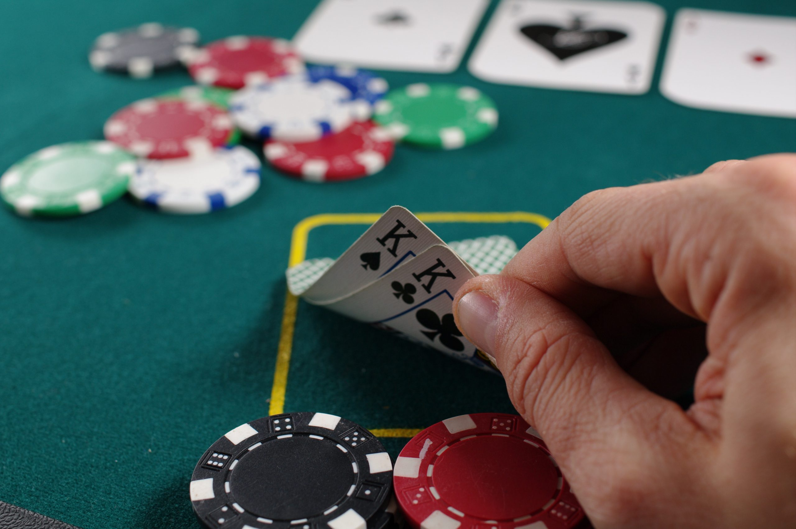 TIPS FOR SELECTING THE IDEAL AND MANY TRUSTED ONLINE ONLINE POKER SITE